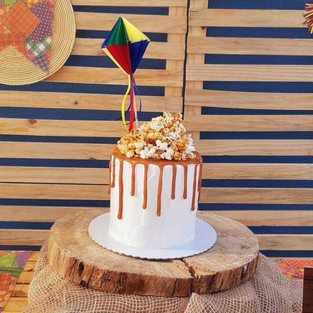 balão de festa junina bolo