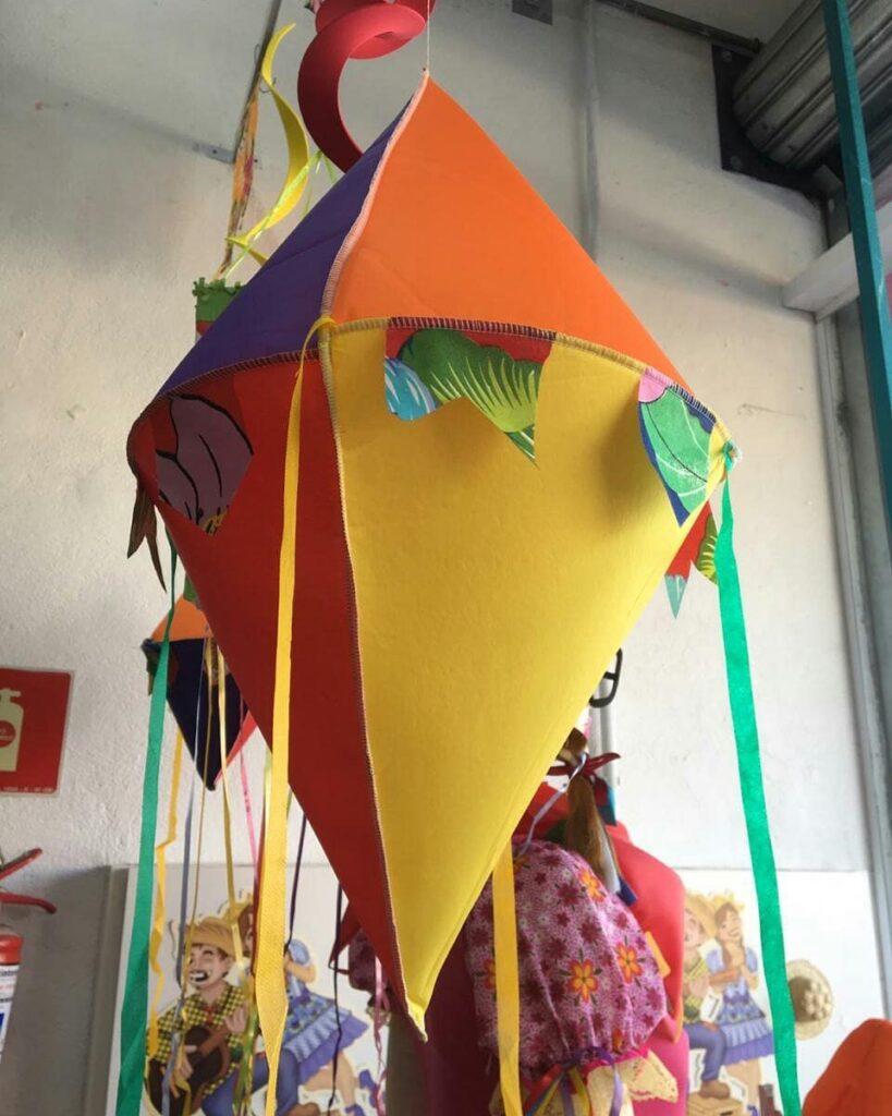 balão de festa junina diferente