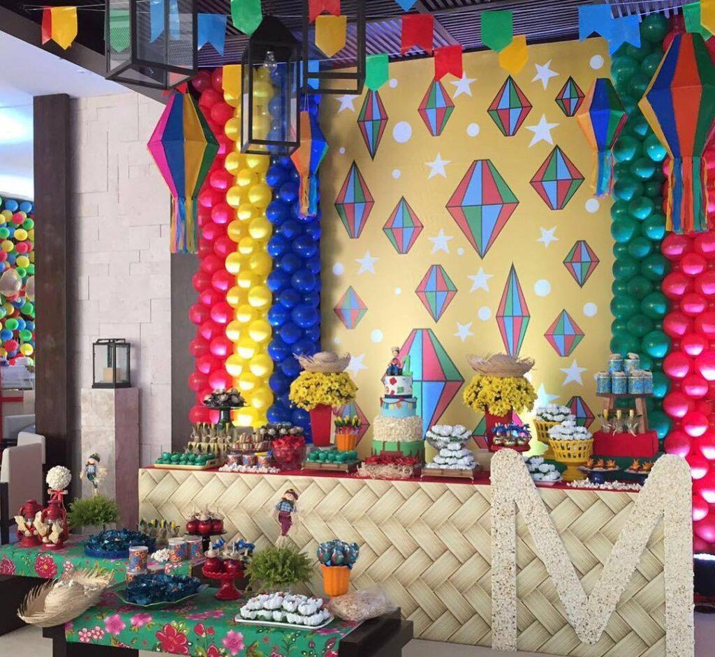 balão de festa junina escolar