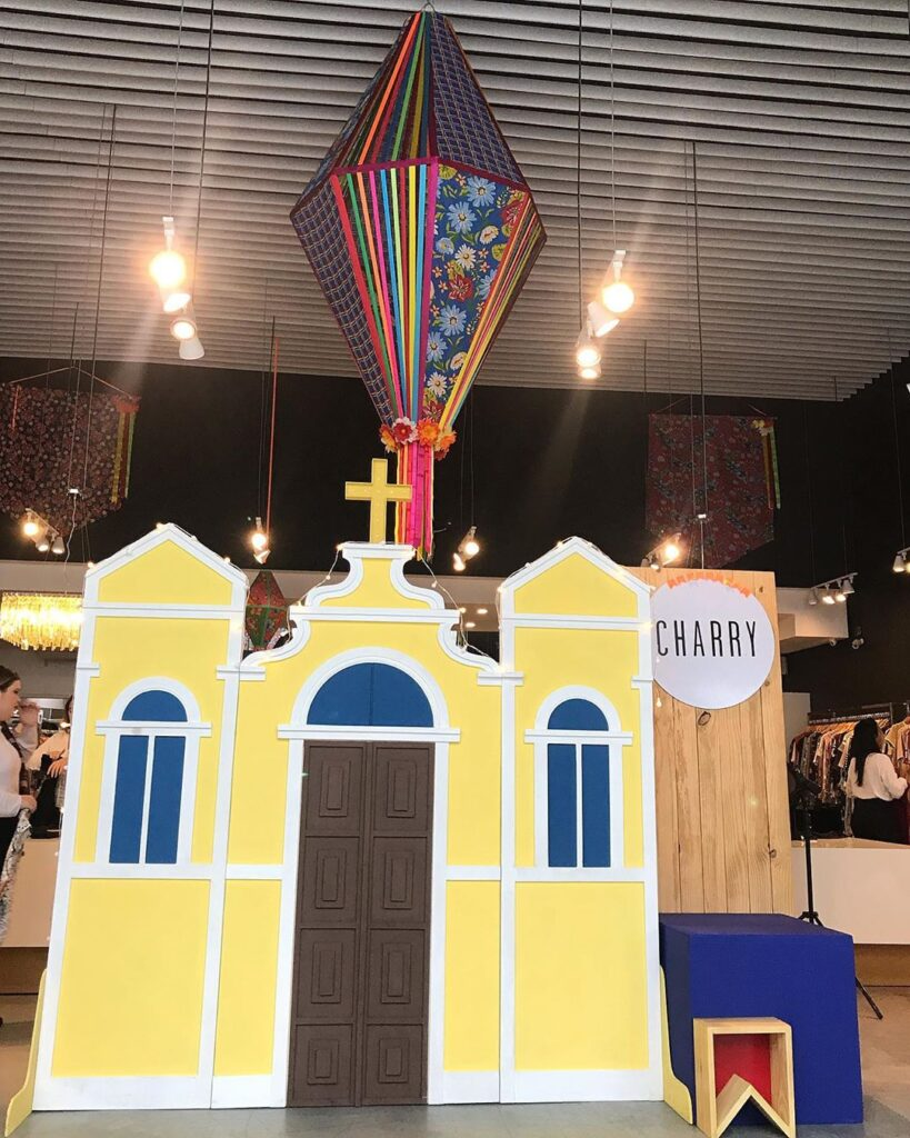 balão de festa junina igreja