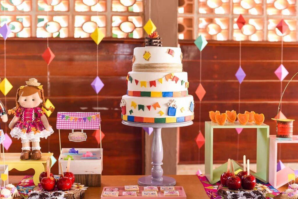 balão de festa junina parabéns