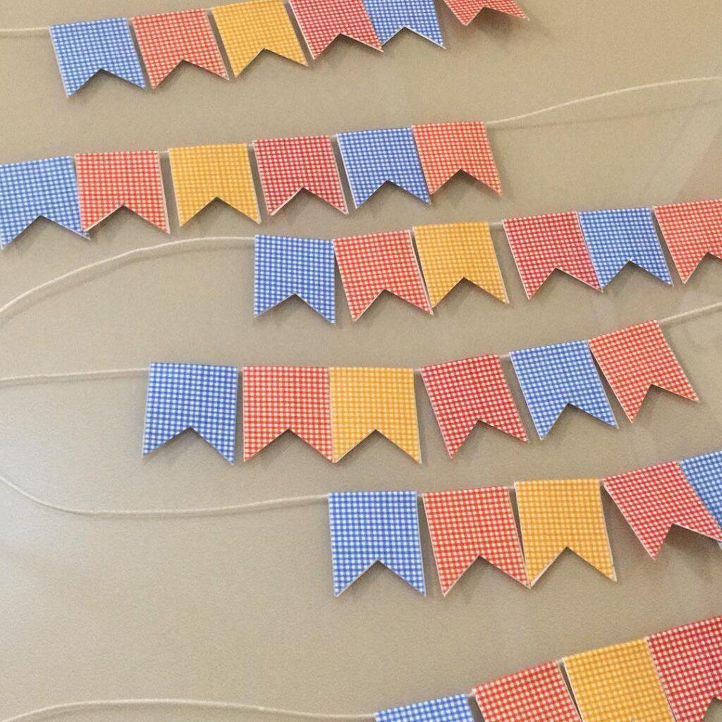mini bandeirinhas para festa junina